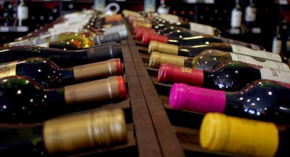 Potešte oslávenca a venujte mu originálne darčekové narodeninové víno s číslom či želaním