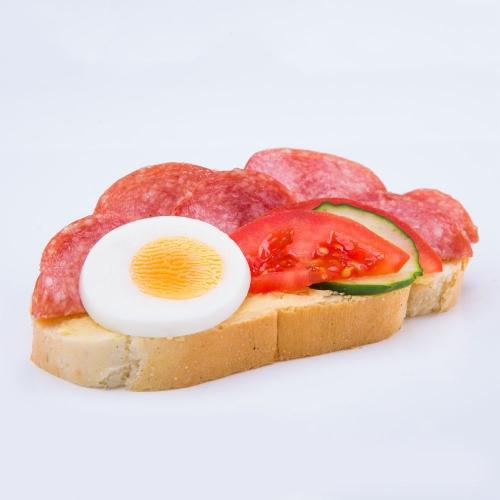 Obložený salámový chlebík - Obložené chlebíky