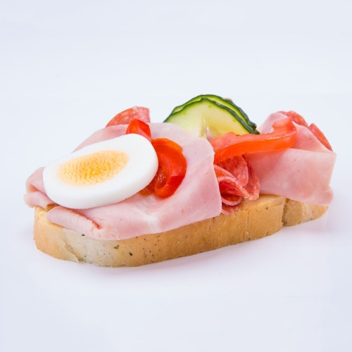 Obložený chlebík šunkovo salámový - Obložené chlebíky