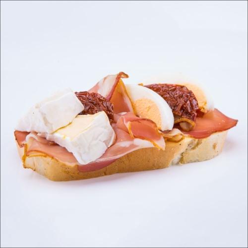 Obložený chlebík so schwarladskou šunkou - Obložené chlebíky