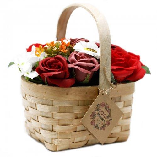 Veľká červená kytica v prútenom koši - Mydlové kytice