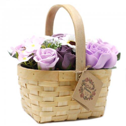 Veľká fialová kytica v prútenom koši - V prútenom koši