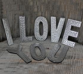 8x Hlinníkové Dekoračné Písmená - I LOVE YOU