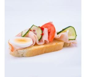 Obložený chlebík debrecínka
