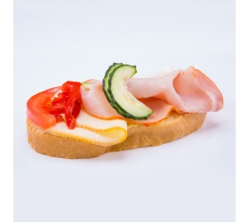 Obložený chlebík šunkovo syrový